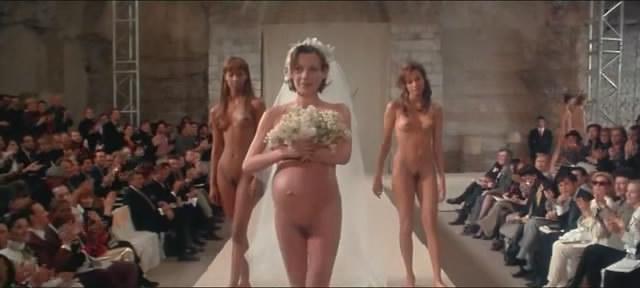 """מתוך """"משהו ללבוש"""", סרטו של רוברט אלטמן"""