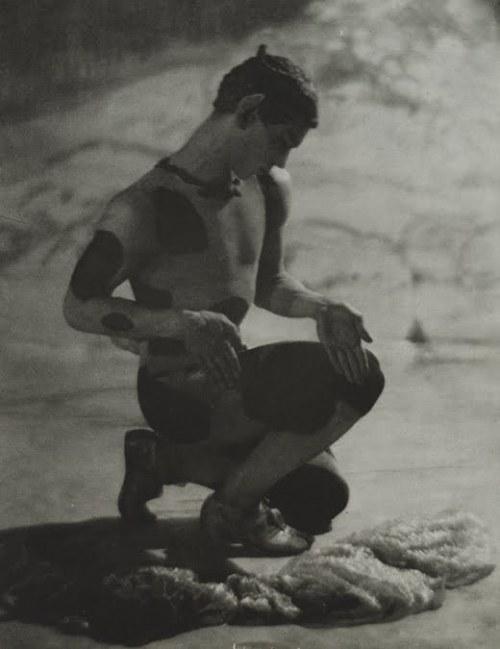 ניז'ינסקי, מתוך אחר הצהרים של פאון, הבלט הרוסי של דיאגילב 1912
