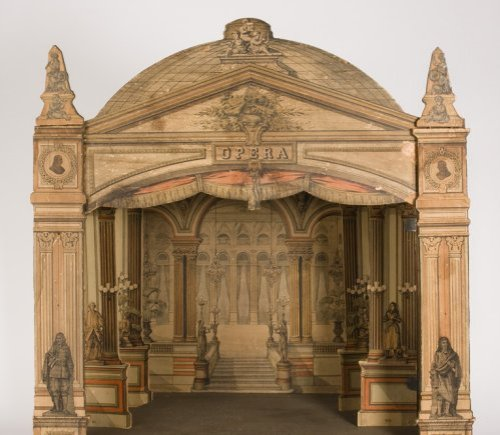 תיאטרון צעצוע, במת פרוסניום