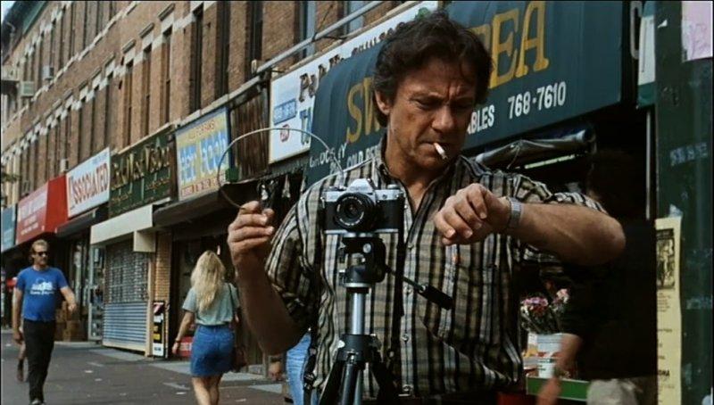 """מתוך סרטו של פול אוסטר """"עישון"""""""