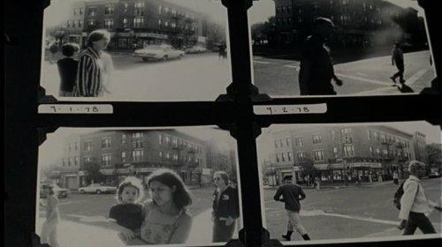 """מתוך האלבום של אוגי, גיבור """"עישון"""". כשאומרים לו שכל התמונות אותו דבר הוא עונה שכולן אותו דבר, אבל כל אחת שונה."""