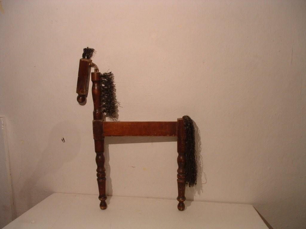 פטריסיה אודונובן, סוס מרגלי כסאות