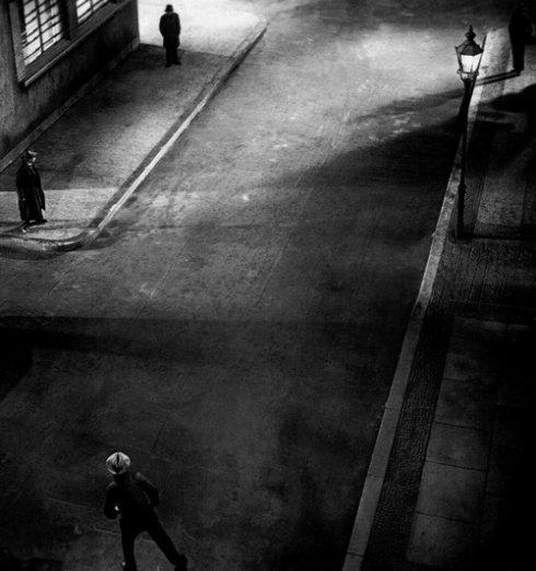 רחוב מתוך M סרטו של פריץ לאנג