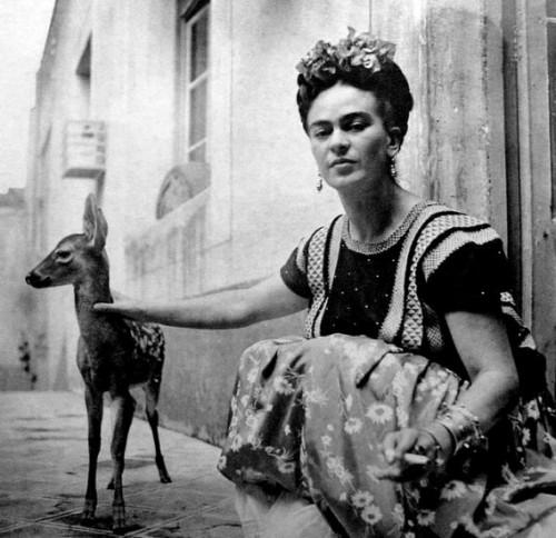 פרידה קאלו, 1939, צילם ניקולאס מוריי