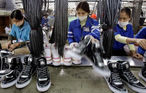 בית חרושת לנעליים, וייטנאם, מתוך האתר הזה