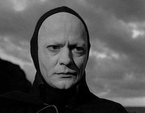 """""""מוות"""" מימי הביניים, מתוך """"החותם השביעי"""", אינגמר ברגמן, 1957"""
