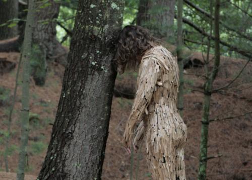 Linda Molenaar,Tree Pose 2011, התמונה נלקחה מכאן