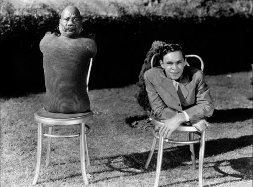 דמויות מתוך Freaks סרט הקאלט של טוד בראונינג (1932) שגיבוריו הם