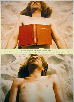 דניס אופנהיים, Reading Position for Second Degree Burn 1970, מיצג: ספר, עור, אנרגיה סולארית, זמן חשיפה: 5 שעות, חוף ג'ונס, ניו יורק.