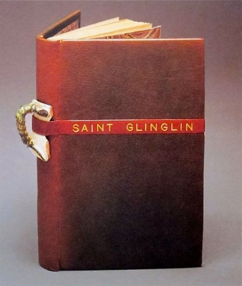 """כריכה של מרי ריינולדס, ל""""Saint Glinglin"""" מאת רמון קנו"""