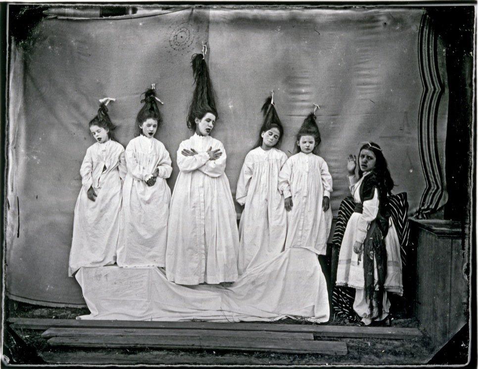 """""""כחול זקן"""", צילם ג'ון קוטס בראון, סביבות 1866"""