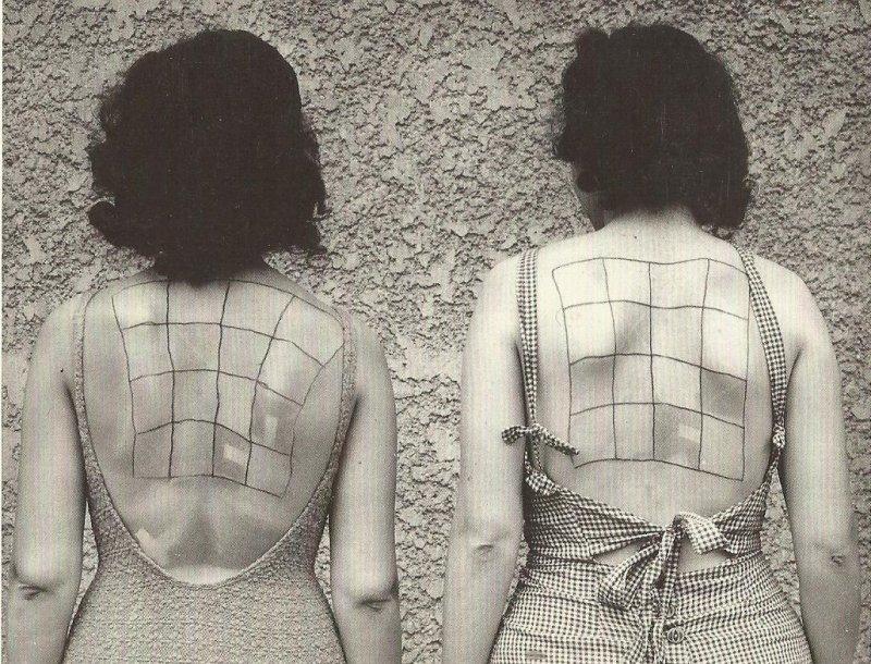 חַכִּי חַכִּי מזכירה לי את הגב של הנשים האלה, נסייניות של שמן שיזוף (1940).
