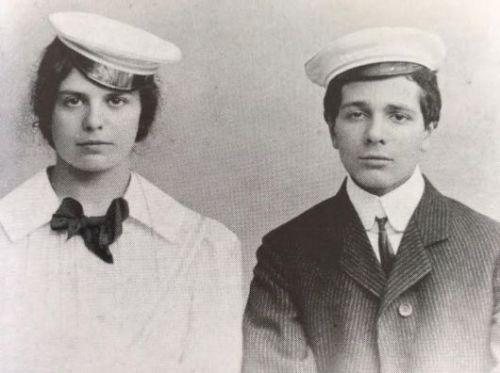 קטיה מאן ואחיה התאום קלאוס, 1900